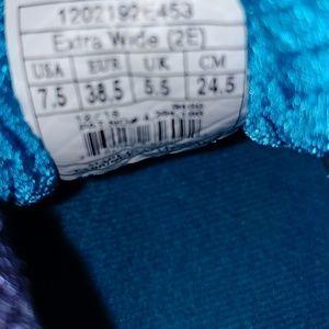 Brooks Shoes - Brooks Ariel Womens Shoes Sz 7.5 2E Blue